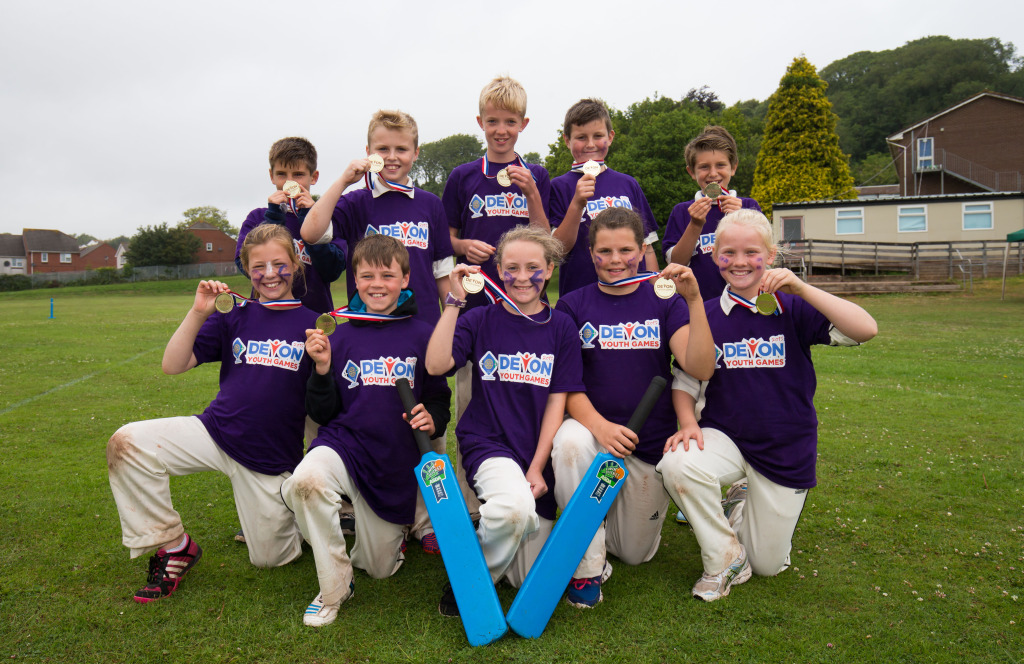 Teignbridge show off their medals after winning the 2015 cricket competition at the Devon Youth Games - photo Gary Day/Pinnacle